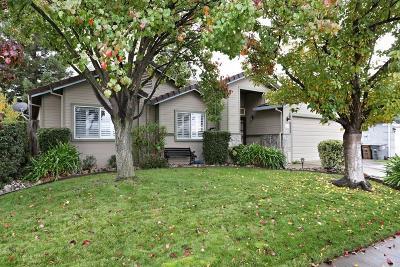 Elk Grove CA Single Family Home For Sale: $399,000