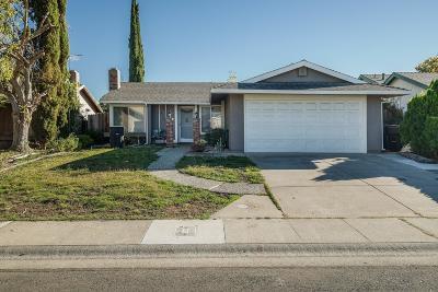 Sacramento Single Family Home For Sale: 4122 Fawn Circle