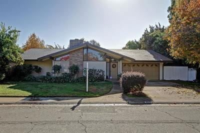 Sacramento Single Family Home For Sale: 4116 Crondall Drive