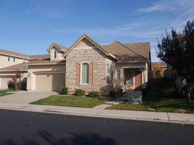 Elk Grove CA Single Family Home For Sale: $439,000