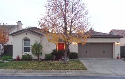 Sacramento Single Family Home For Sale: 10 Station Inn Place