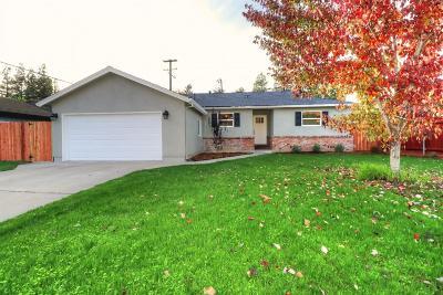 Sacramento Single Family Home For Sale: 5704 Dorset Way
