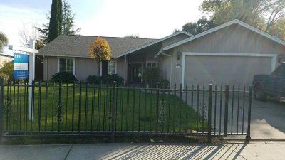 Lockeford Single Family Home For Sale: 14604 East Juniper Avenue