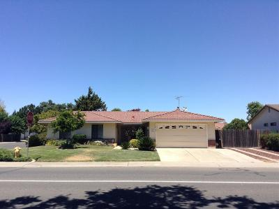 Galt CA Single Family Home For Sale: $350,000
