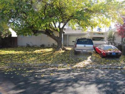 North Highlands Single Family Home For Sale: 4000 Santa Fe Way