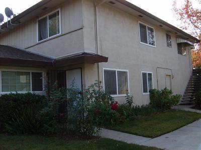 Sacramento County Condo For Sale: 4512 Greenholme Drive