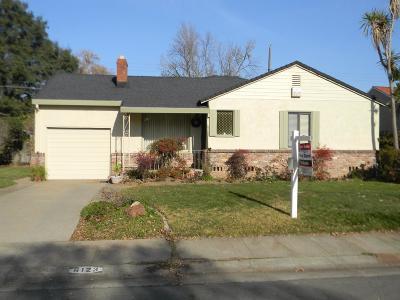 Sacramento Single Family Home For Sale: 6123 Tahoe Way