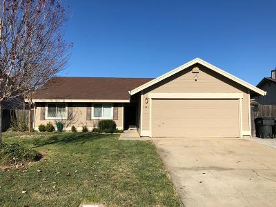 Single Family Home For Sale: 1343 Woodside Glen Way