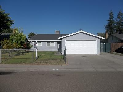 Manteca Single Family Home For Sale: 656 Fallenleaf Lane