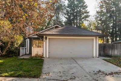 Sacramento CA Single Family Home For Sale: $379,900