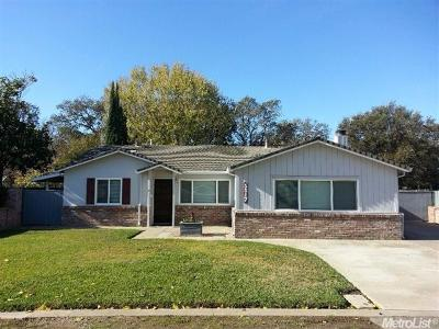 Sacramento Single Family Home For Sale: 5517 Palmdale Way