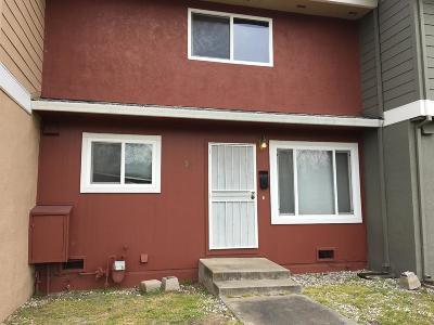 Sacramento County Condo For Sale: 5983 Mack Road