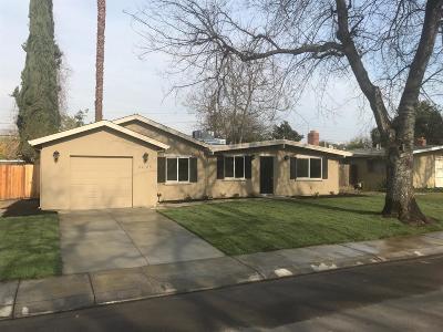 Single Family Home For Sale: 2425 Porter Way