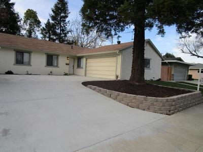 Roseville Single Family Home For Sale: 1404 Oakmont Drive