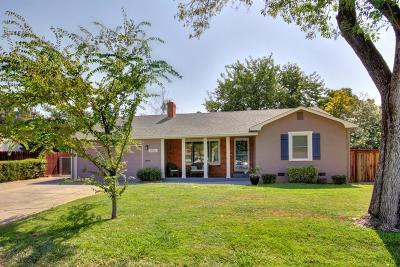 Sacramento Single Family Home For Sale: 3932 El Ricon Way