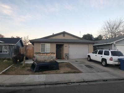Merced Single Family Home For Sale: 425 Jonathan Court