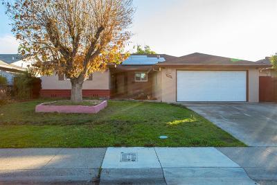 Sacramento Single Family Home For Sale: 5400 Tangerine Avenue