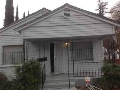 Sacramento Single Family Home For Sale: 572 El Camino Avenue