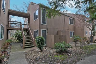 Citrus Heights Condo For Sale: 8011 Arcade Lake Lane