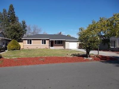 Sacramento Single Family Home For Sale: 3413 Club Lane