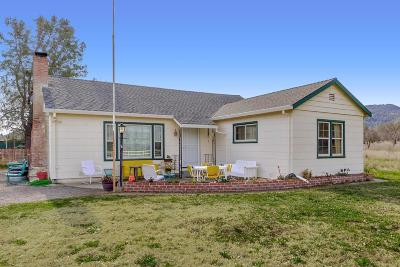 Brooks Single Family Home For Sale: 17227 County Road 63