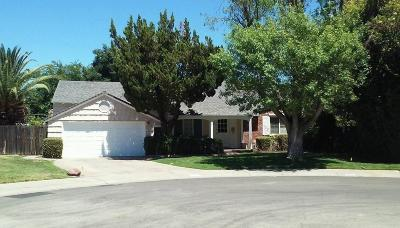 Sacramento Single Family Home For Sale: 2204 Penn Court