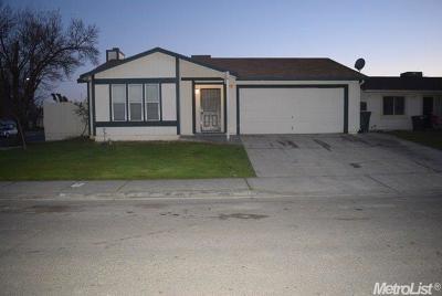 Merced Single Family Home For Sale: 8 Skylark Court