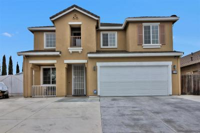 Los Banos  Single Family Home For Sale: 1119 Oatgrass