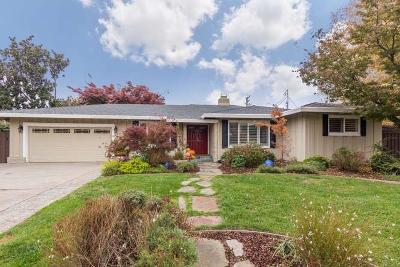 Single Family Home For Sale: 117 Merritt Way