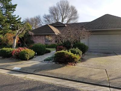 Stockton Single Family Home For Sale: 2502 Canyon Creek Drive