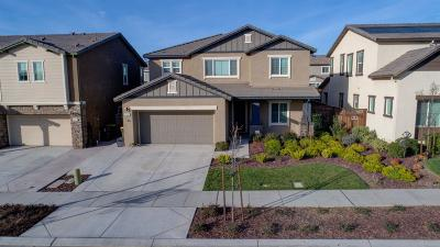 Lathrop Single Family Home For Sale: 983 Berkshire Court