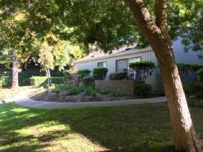 Sacramento Condo For Sale: 1653 University Avenue