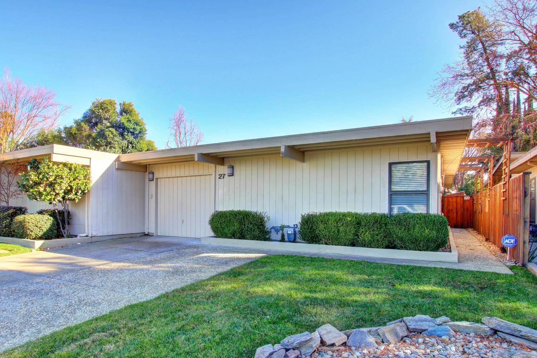 Property Photo - Listing: 27 Chief Court, Sacramento, CA.MLS# 18007763 Sacramento