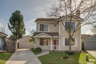 Elk Grove CA Single Family Home For Sale: $399,900