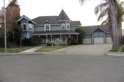 Turlock Single Family Home For Sale: 2001 Kings Court