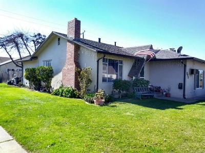 Lodi Single Family Home For Sale: 300 Daisy Avenue