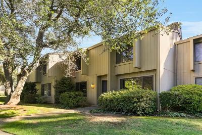 Sacramento Single Family Home For Sale: 2304 American River Dr