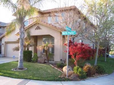 Sacramento Single Family Home For Sale: 2917 North Platte Way
