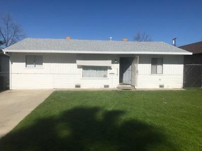 Sacramento Single Family Home For Sale: 1653 Rosalind Street