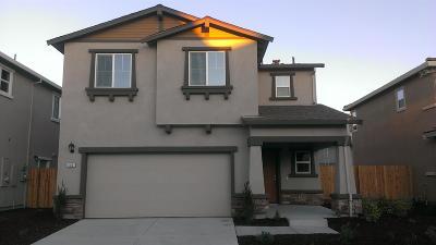 Sacramento CA Single Family Home For Sale: $371,000