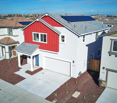 Sacramento Single Family Home For Sale: 410 Alboran Sea Circle