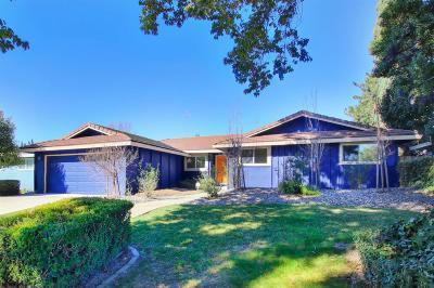 Sacramento Single Family Home For Sale: 6388 Gloria Drive