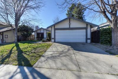 Sacramento Single Family Home For Sale: 7229 Holworthy Way