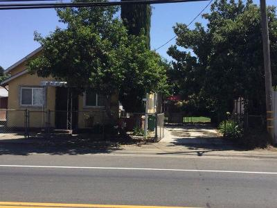 Single Family Home For Sale: 17310 North Bruella Road