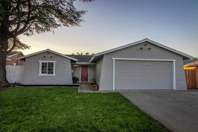 Single Family Home For Sale: 4740 Moorpark Way
