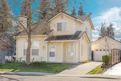 Sacramento CA Single Family Home For Sale: $319,900