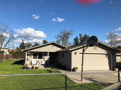 Single Family Home For Sale: 24 South Thelma