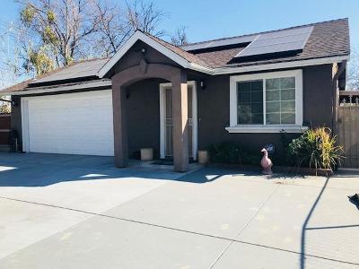 Sacramento Single Family Home For Sale: 2829 Del Paso Boulevard #2