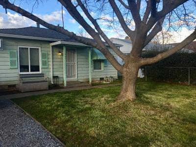 Sacramento Single Family Home For Sale: 1647 Rosalind Street
