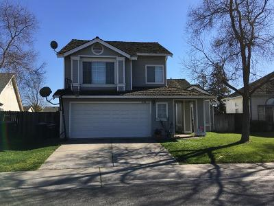 Sacramento CA Single Family Home For Sale: $345,000